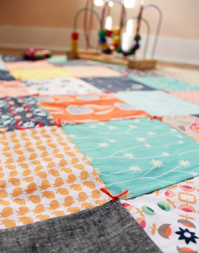 Best Laid Plans : quilt with yarn ties - Adamdwight.com